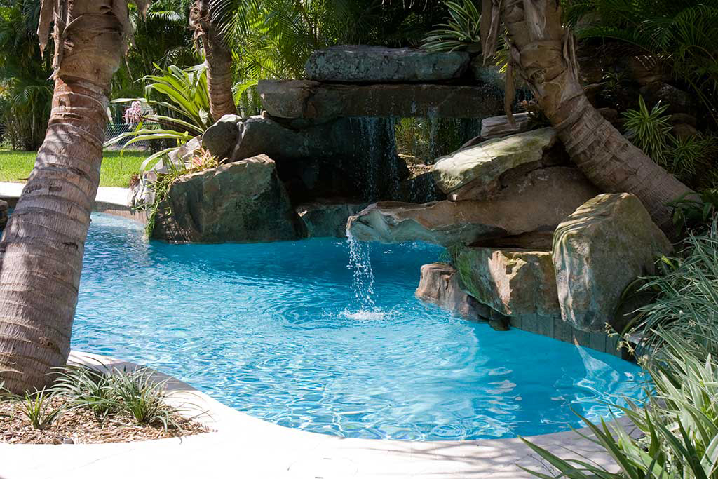 Lagoon pool with Tennessee Field stone grotto, spa and ...